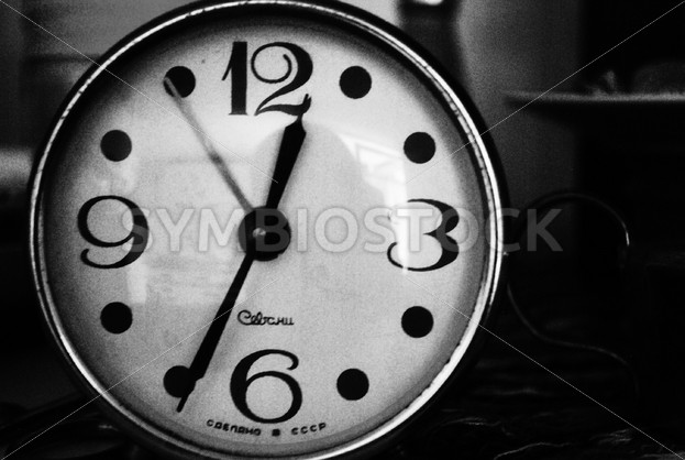 Black and White Clock - Symbiostock Express Demo